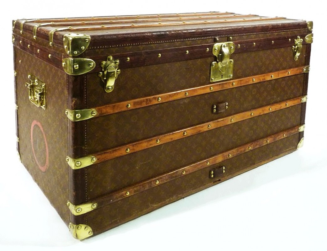 malle louis vuitton ancienne malle courrier ancienne. Black Bedroom Furniture Sets. Home Design Ideas