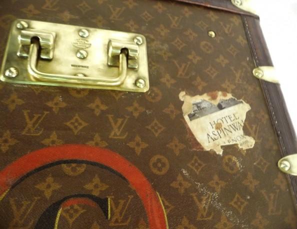 Premium Louis Vuitton Mail Trunk