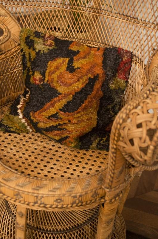 housse de coussin kilim housse de coussin artisanale coussin kilim moldave. Black Bedroom Furniture Sets. Home Design Ideas