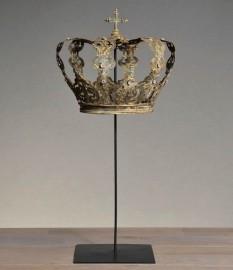 Imperial Crown on pedestal