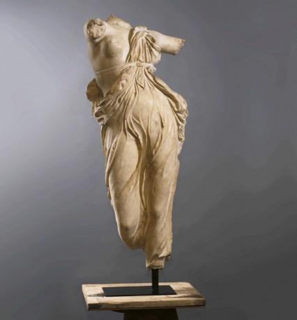 grande statue de danseuse grecque antique atteignant 130cm. Black Bedroom Furniture Sets. Home Design Ideas