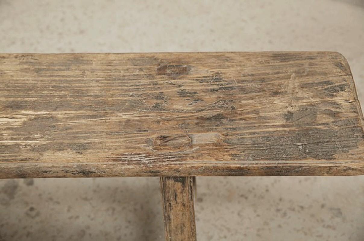 Banc en bois brut for Banc de jardin ancien en bois