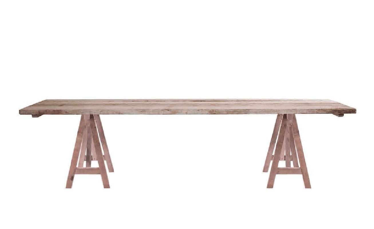 tr s belle table en bois brut extr mement r sistant une table artisanale authentique et vraie. Black Bedroom Furniture Sets. Home Design Ideas