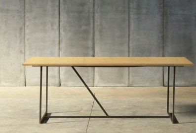 Table de Repas XYZ en Laiton et Métal - 200cm