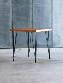 """Table """"Sputnik"""" carrée"""