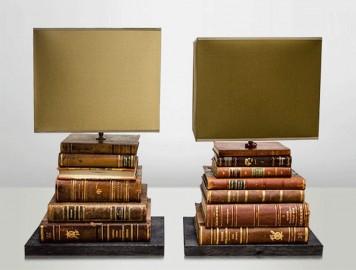 lampe artisanale r alis e avec de vieux livres. Black Bedroom Furniture Sets. Home Design Ideas