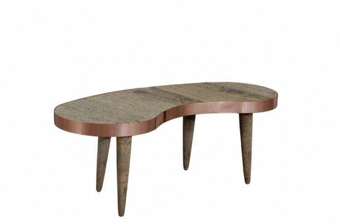 table basse style vintage en forme de haricot r alis e en pin ancien et cuivre rouge. Black Bedroom Furniture Sets. Home Design Ideas