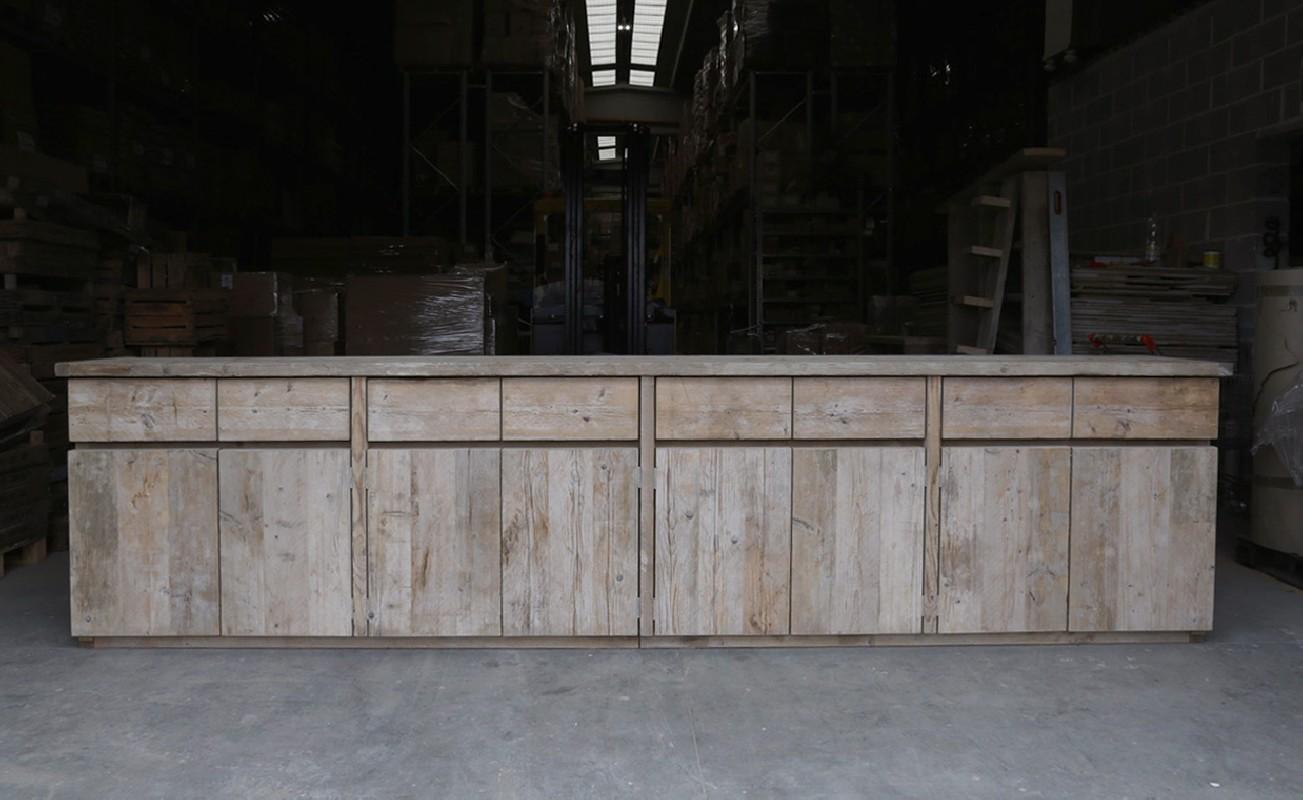 magnifique buffet de 400 cm en bois brut huit portes et huit tiroirs convivial et g n reux en. Black Bedroom Furniture Sets. Home Design Ideas