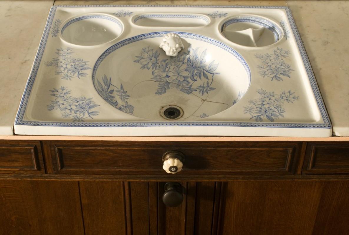 meuble vasque salle de bain ancien