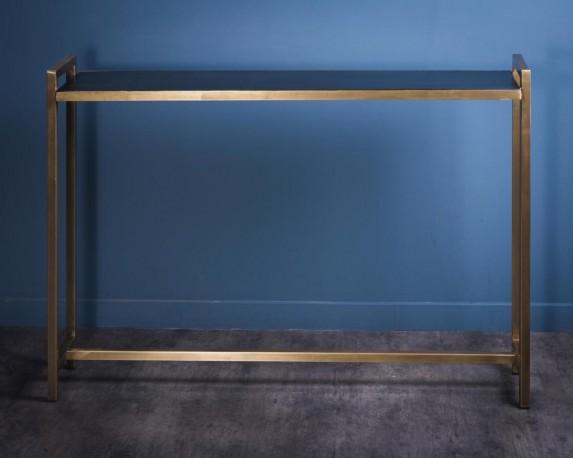 console troite d 39 entr e une ligne pur e avec laiton en section carr et bois massif noir. Black Bedroom Furniture Sets. Home Design Ideas
