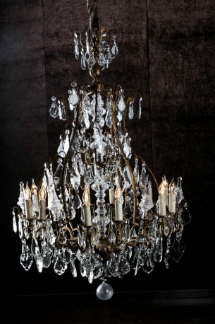 Magnificent Chandelier Catania, Catania Vintage French Country Wood 6 Light Chandelier