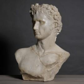 Statue, Auguste couronné