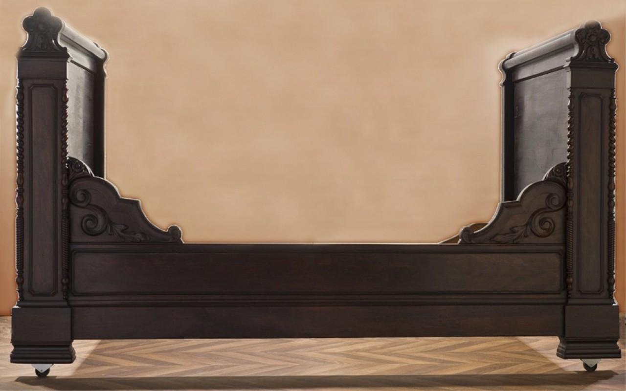 lit ancien lit r tro lit vintage banquette meubles anciens mobilier ancien unique fin. Black Bedroom Furniture Sets. Home Design Ideas