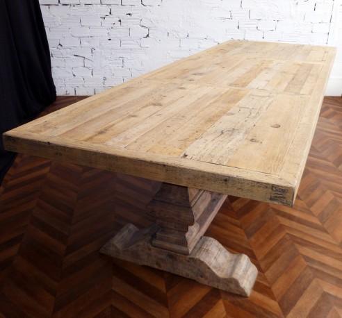 Shabby chic farmhouse table