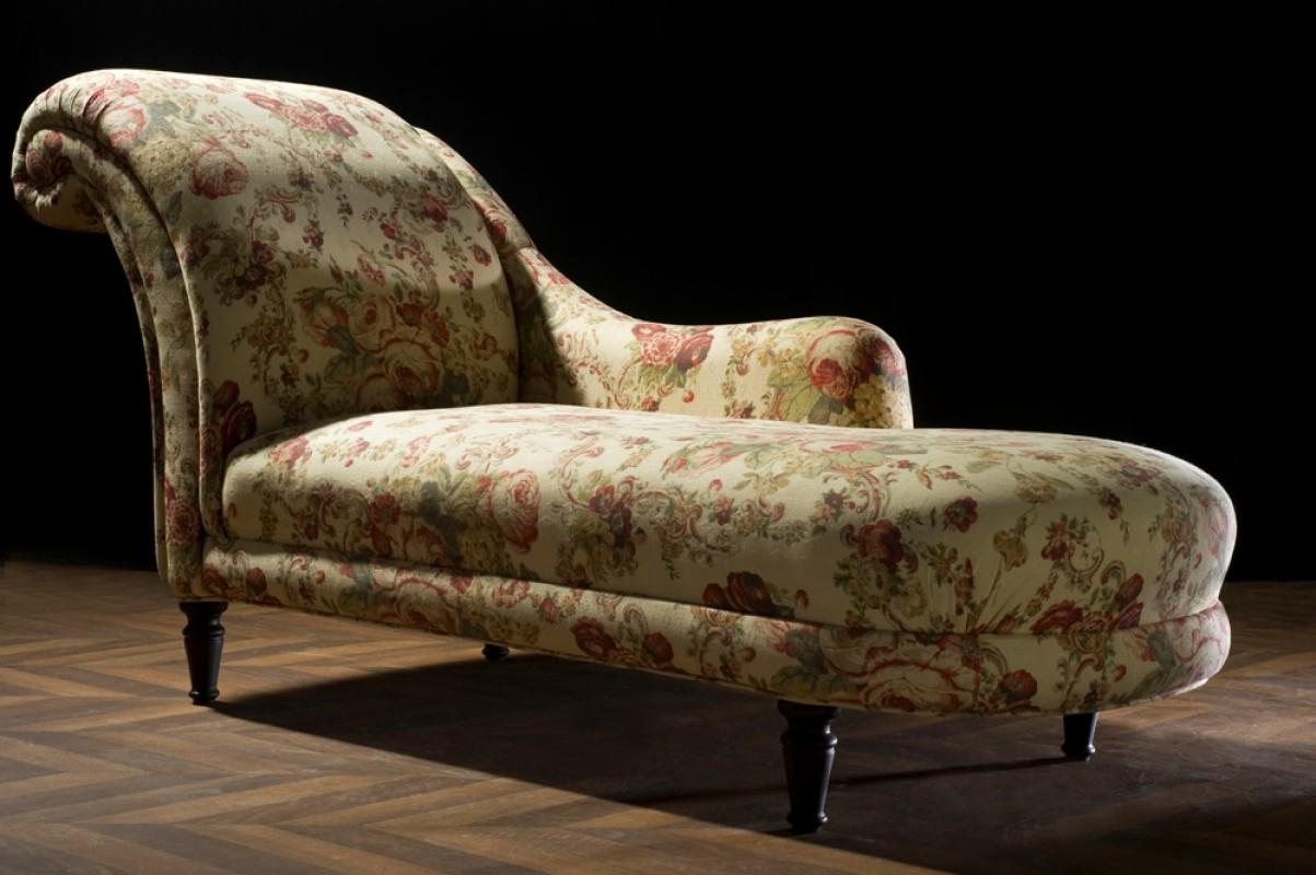 M ridienne ancienne chaise longue r tro en tissus laura for Achat de meuble ancien