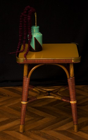 30-40s pedestal table