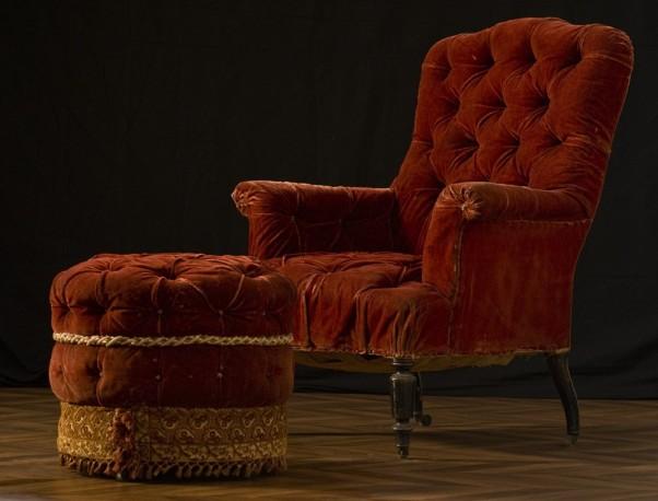 Ensemble fauteuil et son pouf