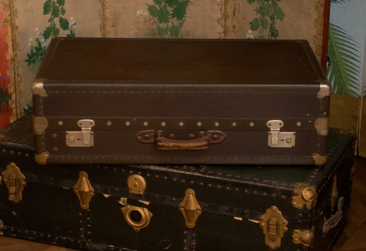 malle ancienne valise vintage valise ancienne en carton valise de voyage r tro ancienne 1950. Black Bedroom Furniture Sets. Home Design Ideas