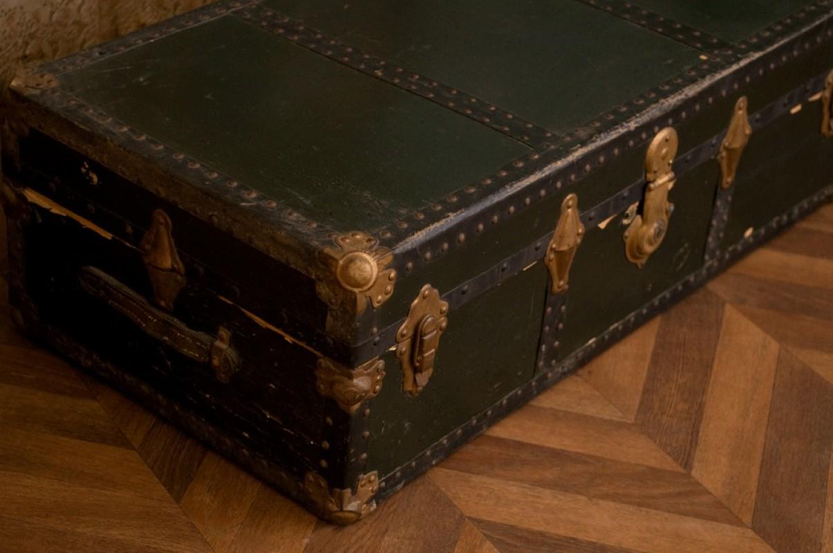 malle ancienne de voyage malle ancienne coffre ancien vintage malle en bois vintage ann es. Black Bedroom Furniture Sets. Home Design Ideas