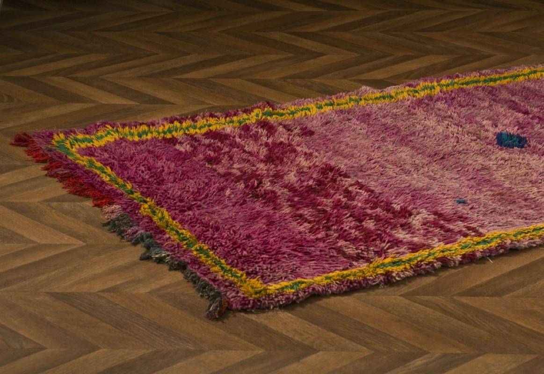 tapis marocain ancien vintage fabrication artisanale la main unique d co marocaine. Black Bedroom Furniture Sets. Home Design Ideas