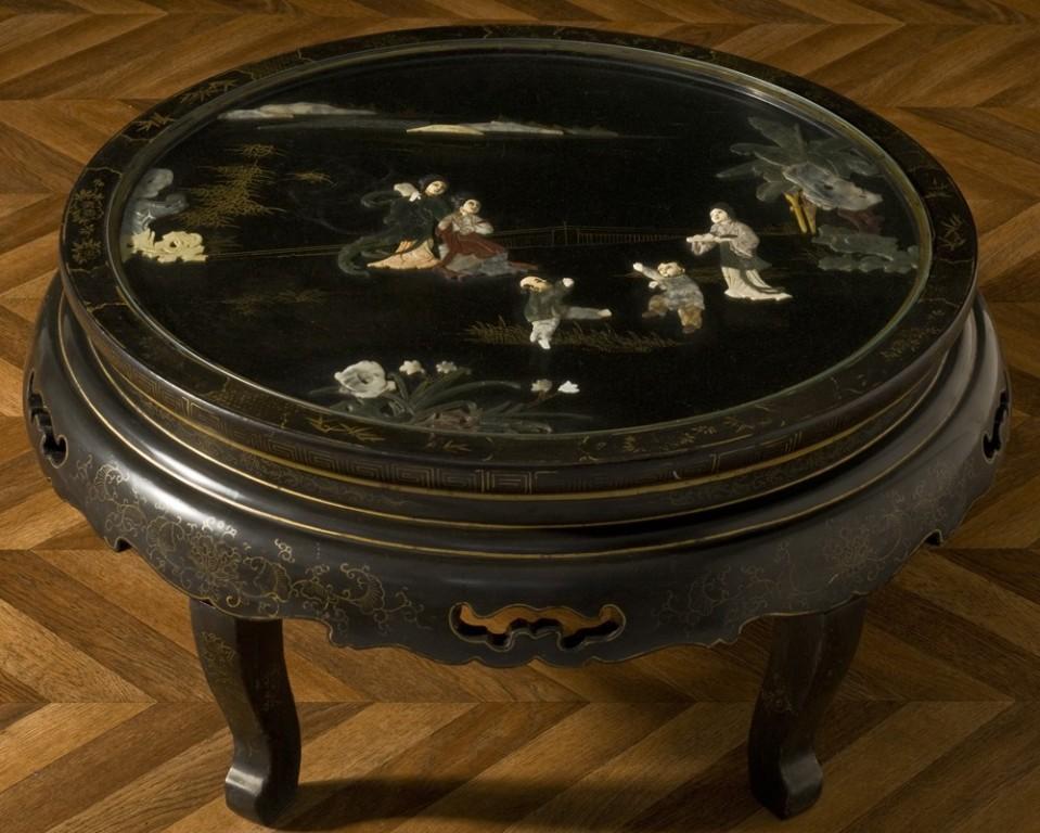 table basse vintage chinoise laqu e noir incrustations jade meuble ancien de style asiatique. Black Bedroom Furniture Sets. Home Design Ideas