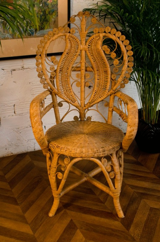 chaise vintage en rotin chaise coeur osier r tro. Black Bedroom Furniture Sets. Home Design Ideas