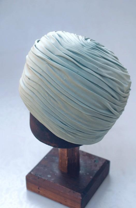 Coiffure turban chapeau annu00e9es 1930 1960 vert ru00e9tro vintage