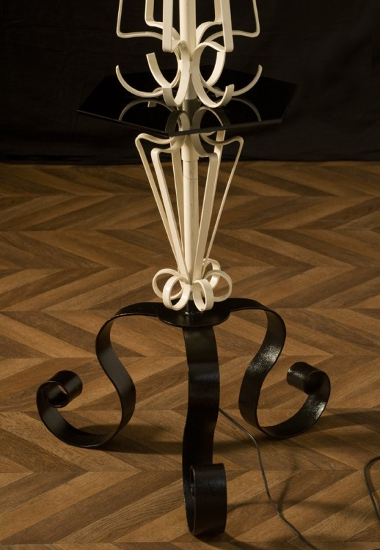 pied de lampe lampe fer forg ancien vintage roy re. Black Bedroom Furniture Sets. Home Design Ideas