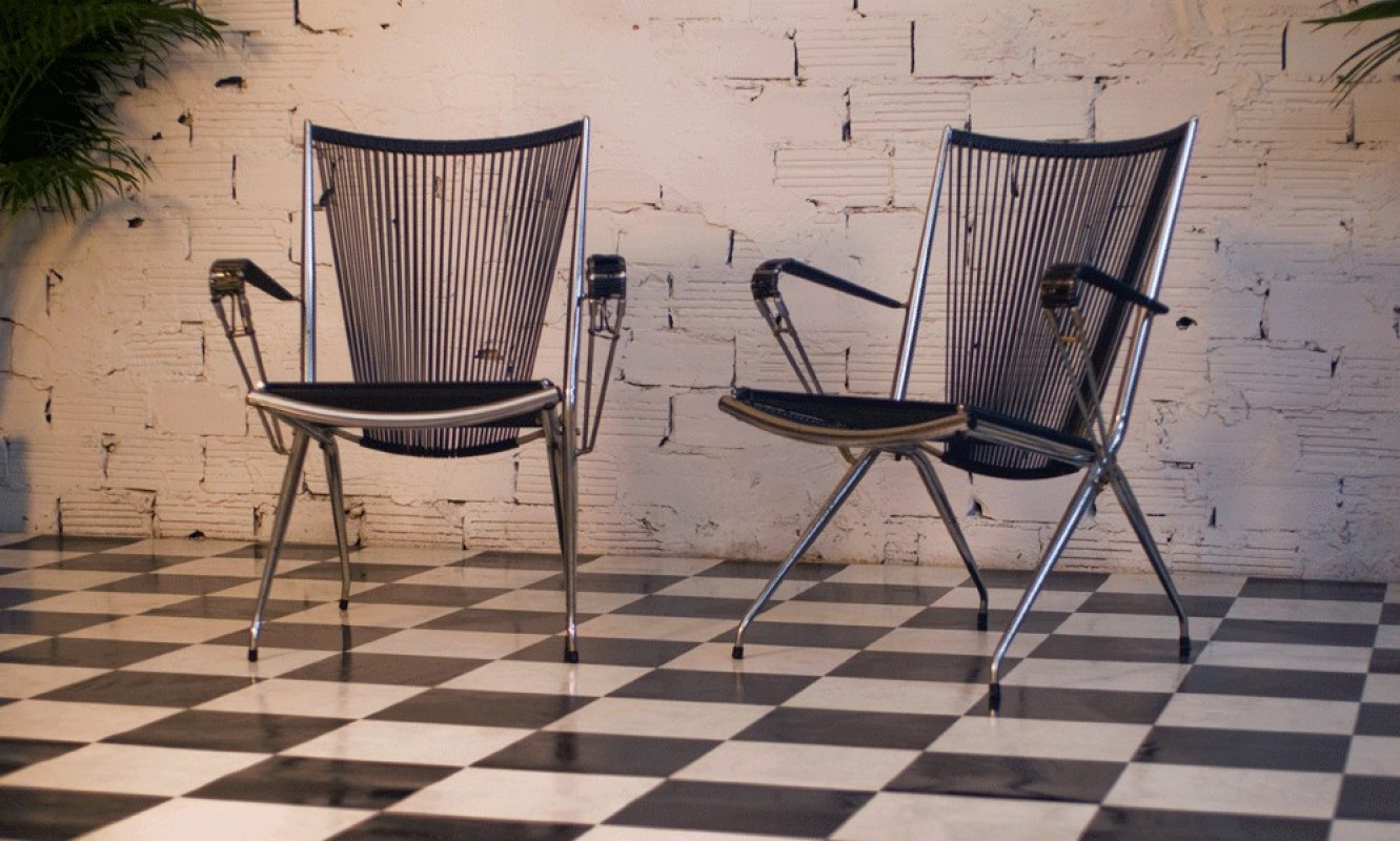 fauteuil vintage m tal inox scoubidou noir plastic. Black Bedroom Furniture Sets. Home Design Ideas