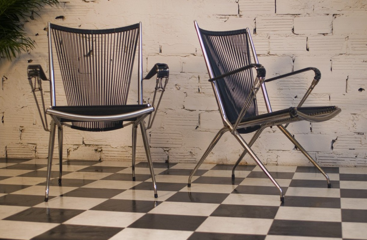 fauteuil vintage m tal inox scoubidou noir plastic plastique ann es 70 1970. Black Bedroom Furniture Sets. Home Design Ideas