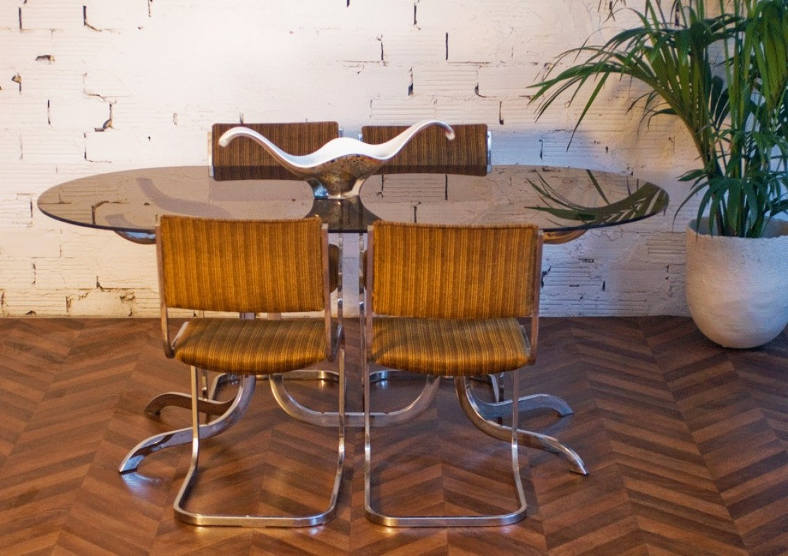 70 S Smoked Gl Dinning Table And