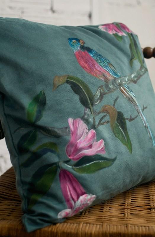 coussin fait main peint la main tissus su dine. Black Bedroom Furniture Sets. Home Design Ideas