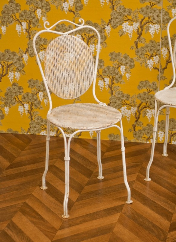 chaises jardin fer forg anciennes vintage r tro ann es 1920 blanche ouvrag e. Black Bedroom Furniture Sets. Home Design Ideas