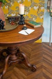 Round oak table 1920's