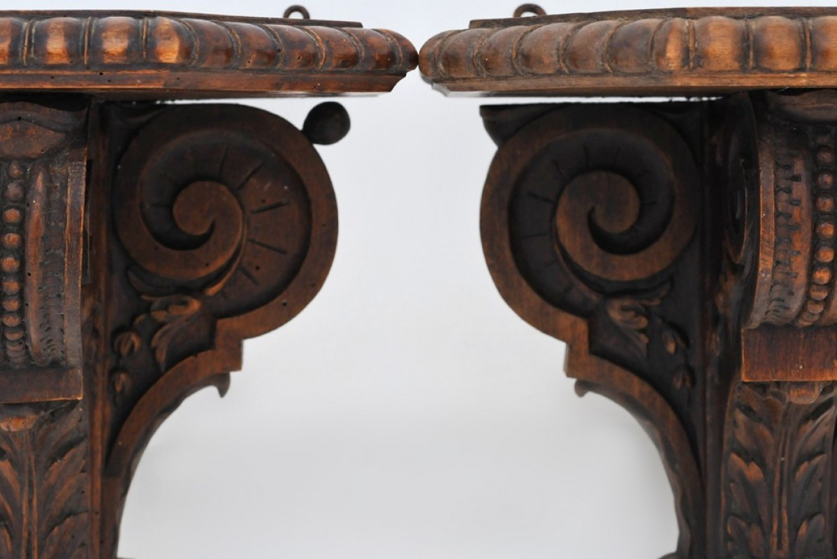 pair of wall brackets an authentic ancient and vintage. Black Bedroom Furniture Sets. Home Design Ideas