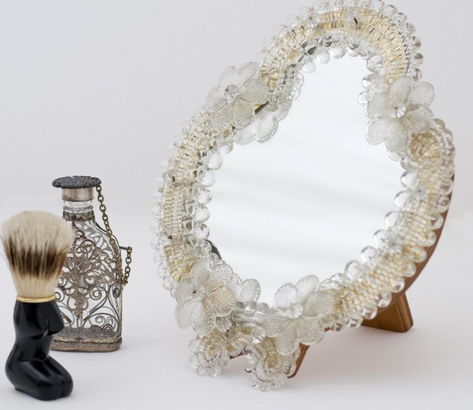 Petit miroir mobile en verre et bois fa on venise objet for Petit miroir