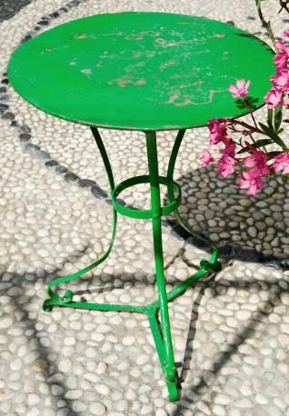 Vintage pedestal table, Parisian café