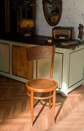 Chaise en bois gauffré façon Thonet