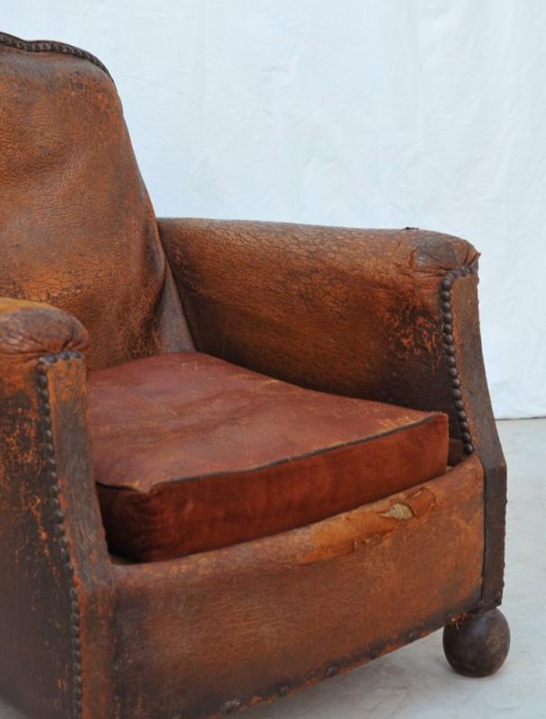 fauteuil club vintage 1930 meuble ancien shabby chic vente unique. Black Bedroom Furniture Sets. Home Design Ideas