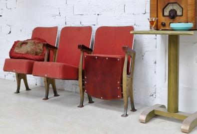 armoire fauteuil table basse meubles anciens vintage 7 arteslonga. Black Bedroom Furniture Sets. Home Design Ideas