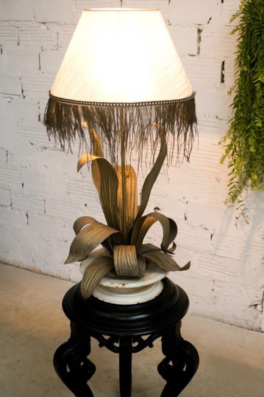 pied de lampe ancien feuillage ann es 1900 original. Black Bedroom Furniture Sets. Home Design Ideas