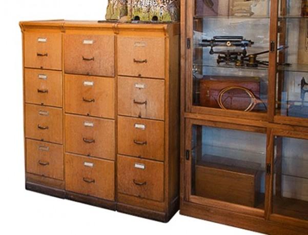 Classeur en bois antique for Meuble rangement classeur