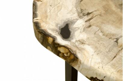 Table d'appoint en bois pétrifié et piètement métal noir