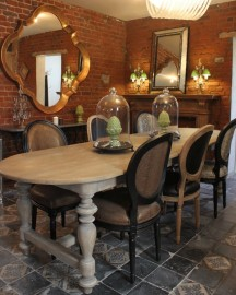 Oval Wooden Dining Table Signoria