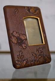 1900's picture frame