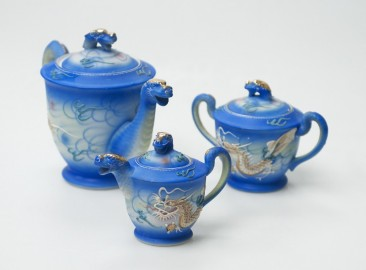 Ancient Japanese tea service
