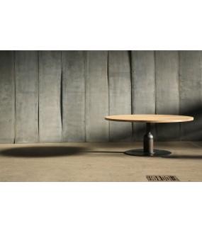 Round Table in Oak Insieme,...