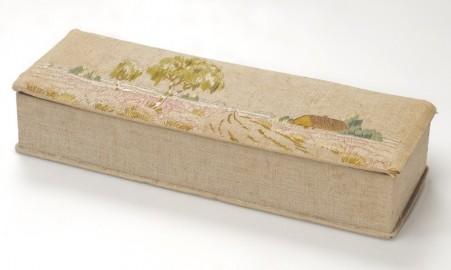 20s cotton embroidered box