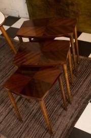 Petites tables gigognes