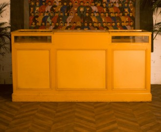 Comptoir de mercerie-bijouterie, 1920